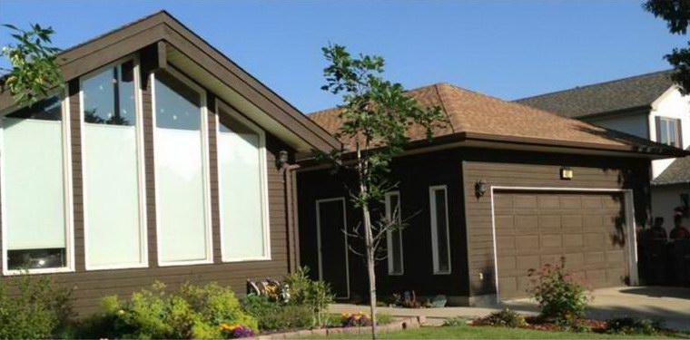 Exterior: House Painting Edmonton AB